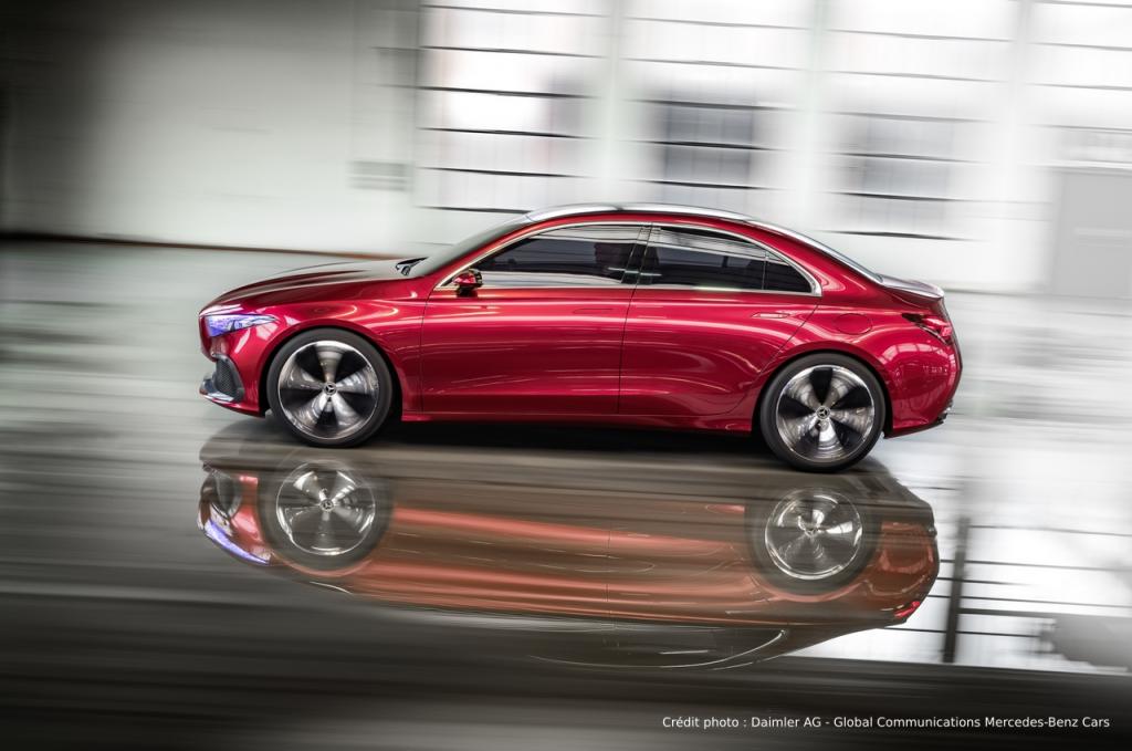Mercedes Concept A sedan profil
